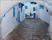 Courtyard Sidi Bou Ali / ***