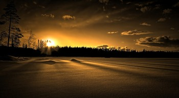 Snowshine / A wonderful wintertime sunset scene from the artic circle