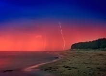 Night, storm, sea ... / ***