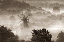 ... Fog, mist, gray shroud ... /