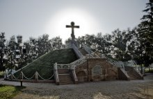 Mass grave of Russian soldiers who died in the Battle of Poltava / ***