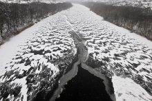Winter river. / ***