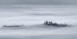 White fog / ***