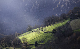 Light / Light rays in the Cantal mountains (France)