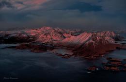 Island at sunset / ***