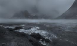 Storm / ***