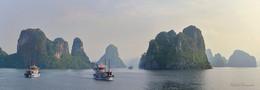 Ha Long Bay / ***