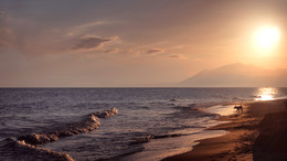 The warm Mediterranean Sea. / ***