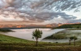 Mists of Elbrus / ***