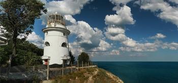 Lighthouse / ***