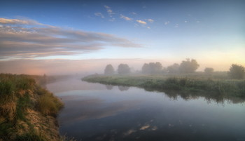 Fog over the river / ***