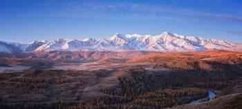 Dawn over the North ridge Chuiskoye / ***
