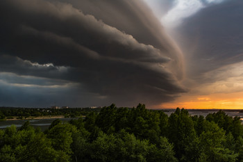 Storm Front / ***