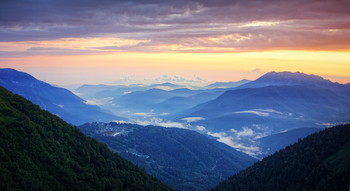Sunset in the mountains / ***