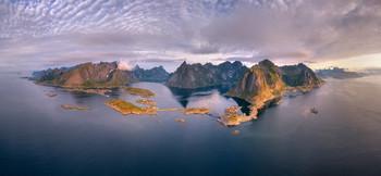 Islands in the ocean / ***